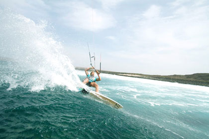 North-Kontact Kiteboard-action01 420px